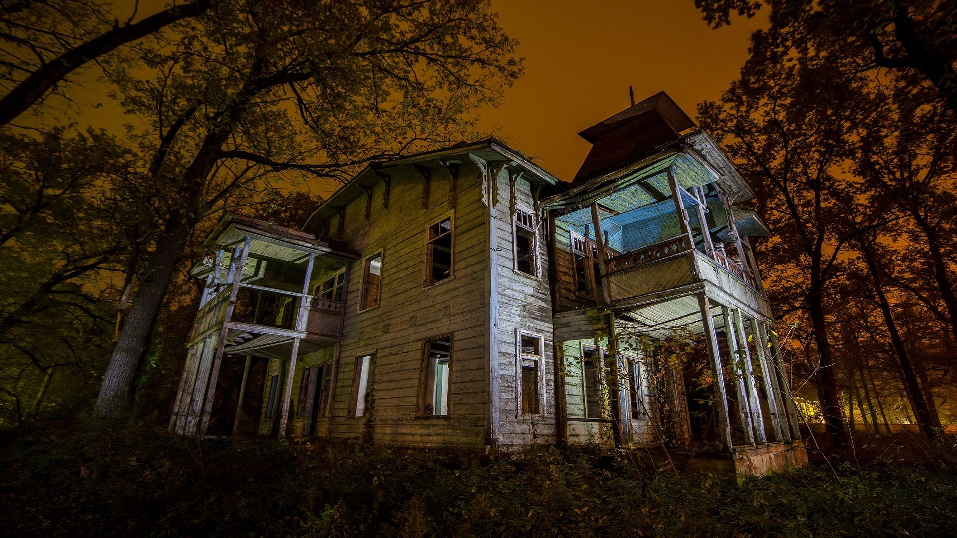 Ghost Hunting Abandoned Haunted Places