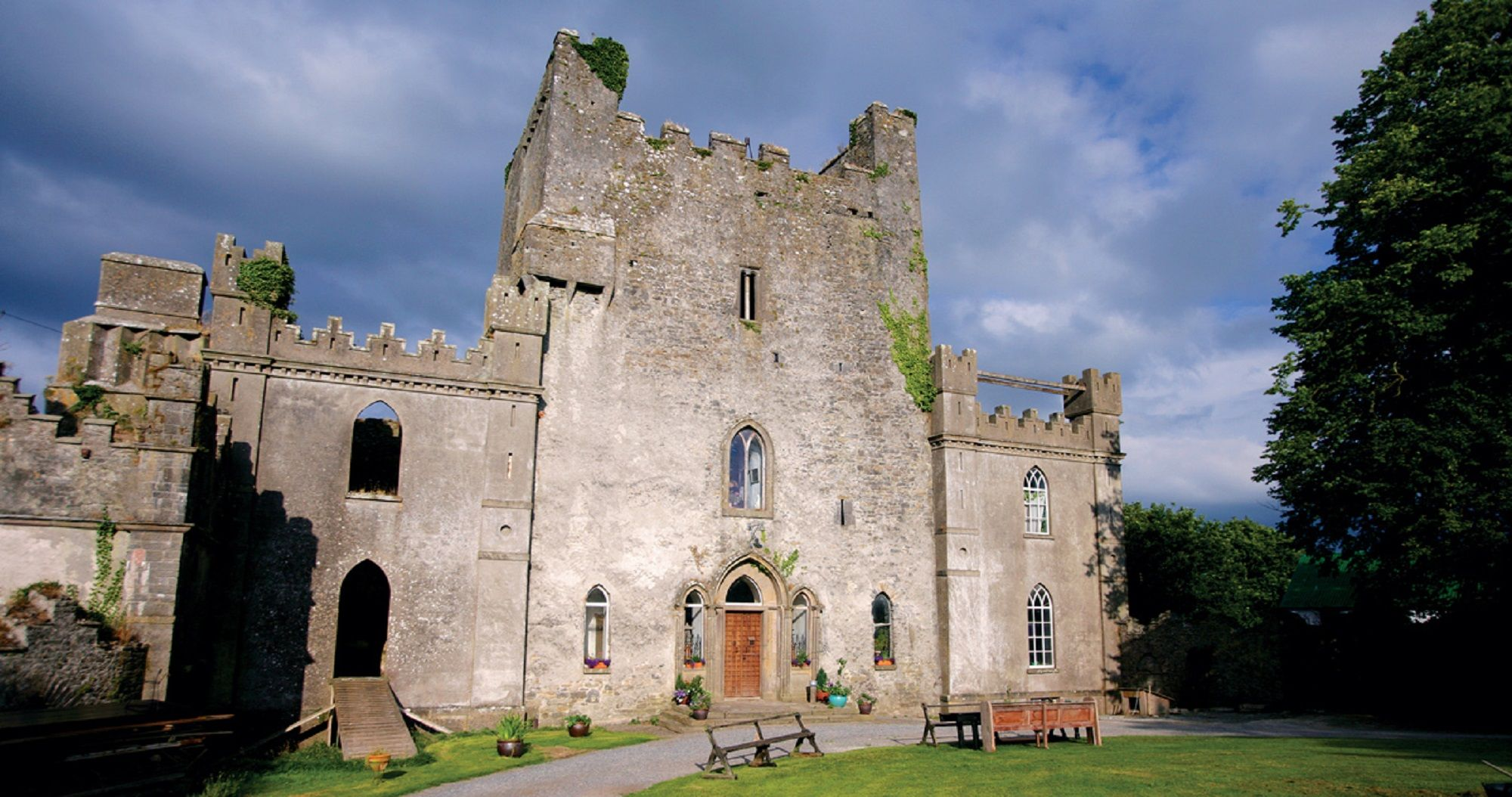 Leap Castle - Mysterious Adventures Tours