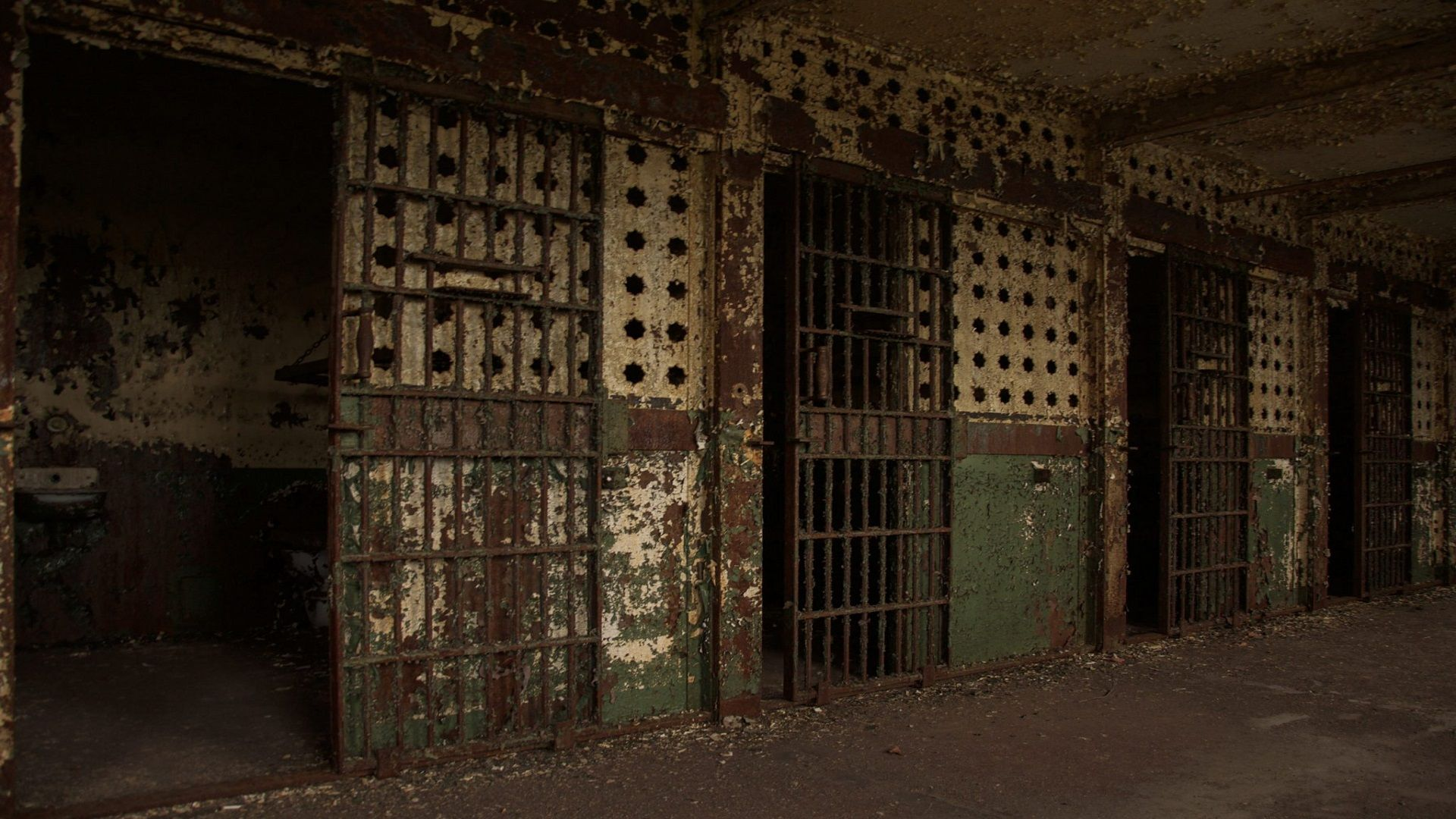 7 Most Haunted and Unforgiving Penitentiaries in America