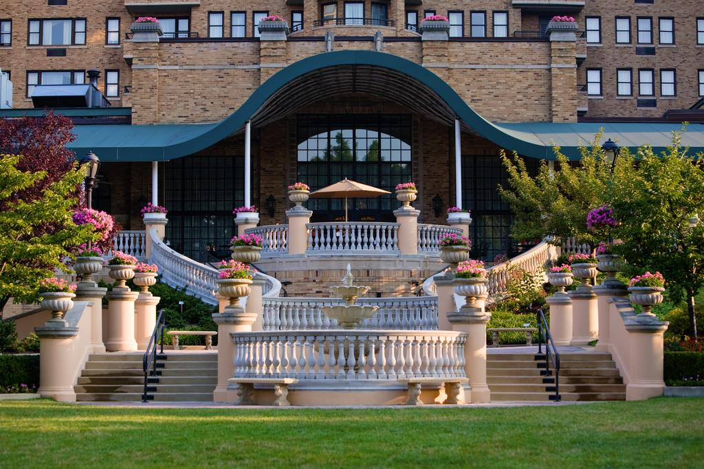 Haunted Omni Shoreham Hotel