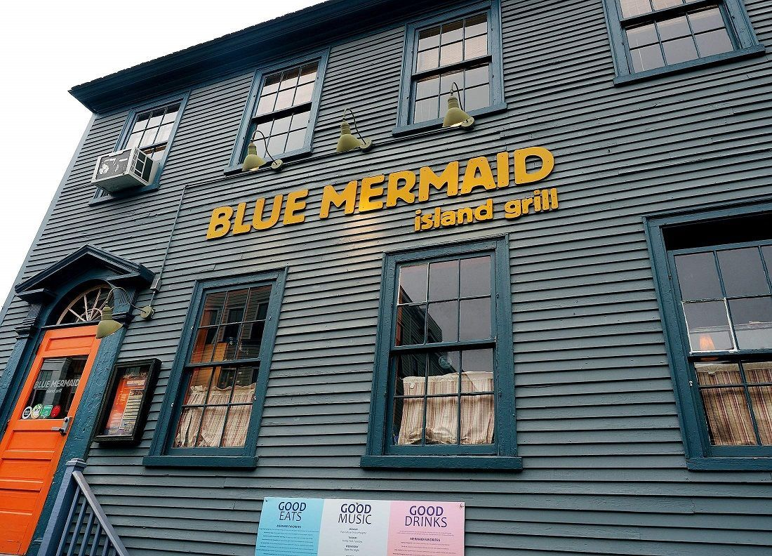 nh-blue-mermaid-island-grill--haunted-journeys