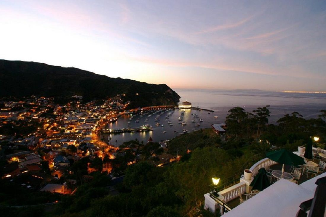 ca-ghost-tour-of-catalina--haunted-journeys