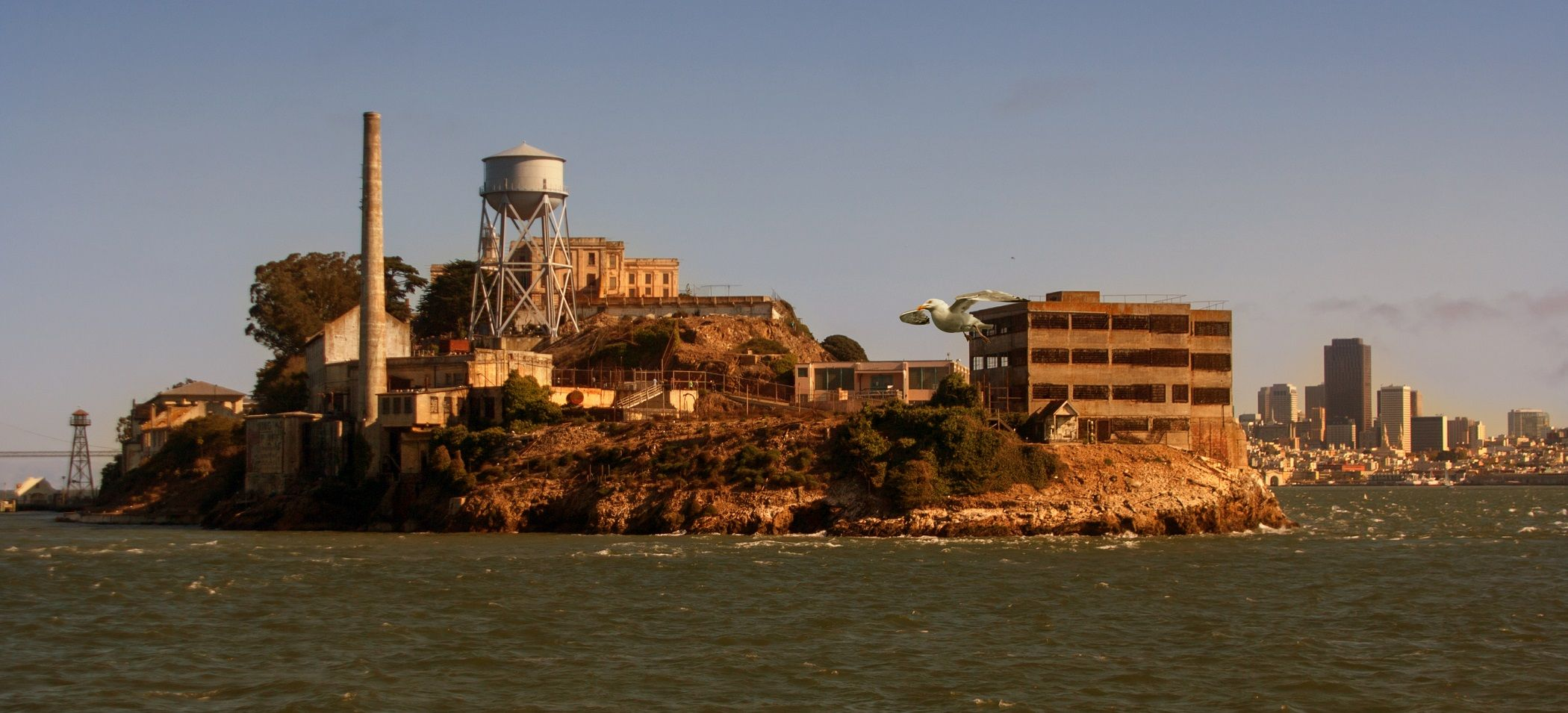 ca-alcatraz-island--haunted-journeys-000
