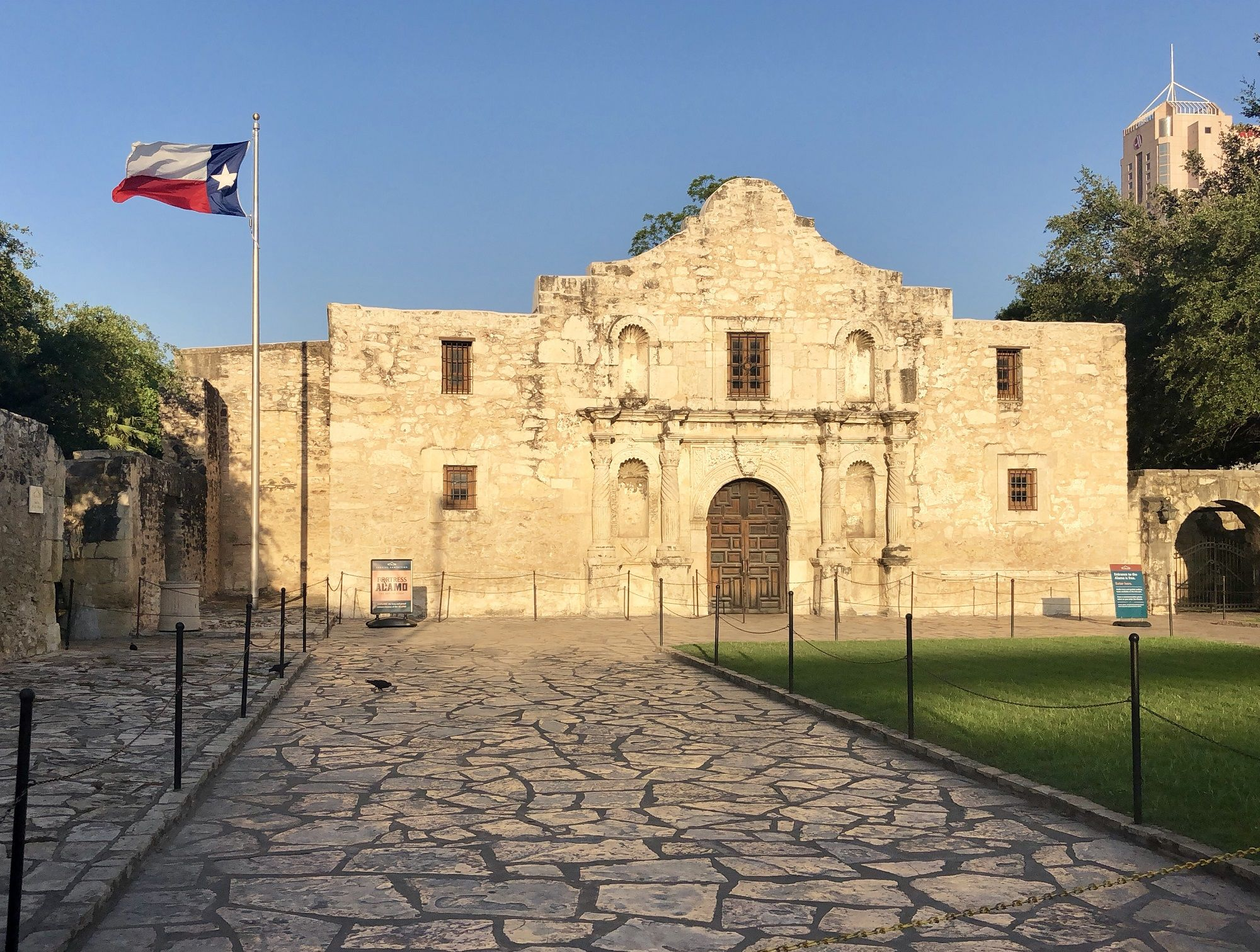 tx-the-alamo-haunted-journeys-1