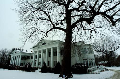 al-cedarhurst-mansion-estate-haunted-journeys