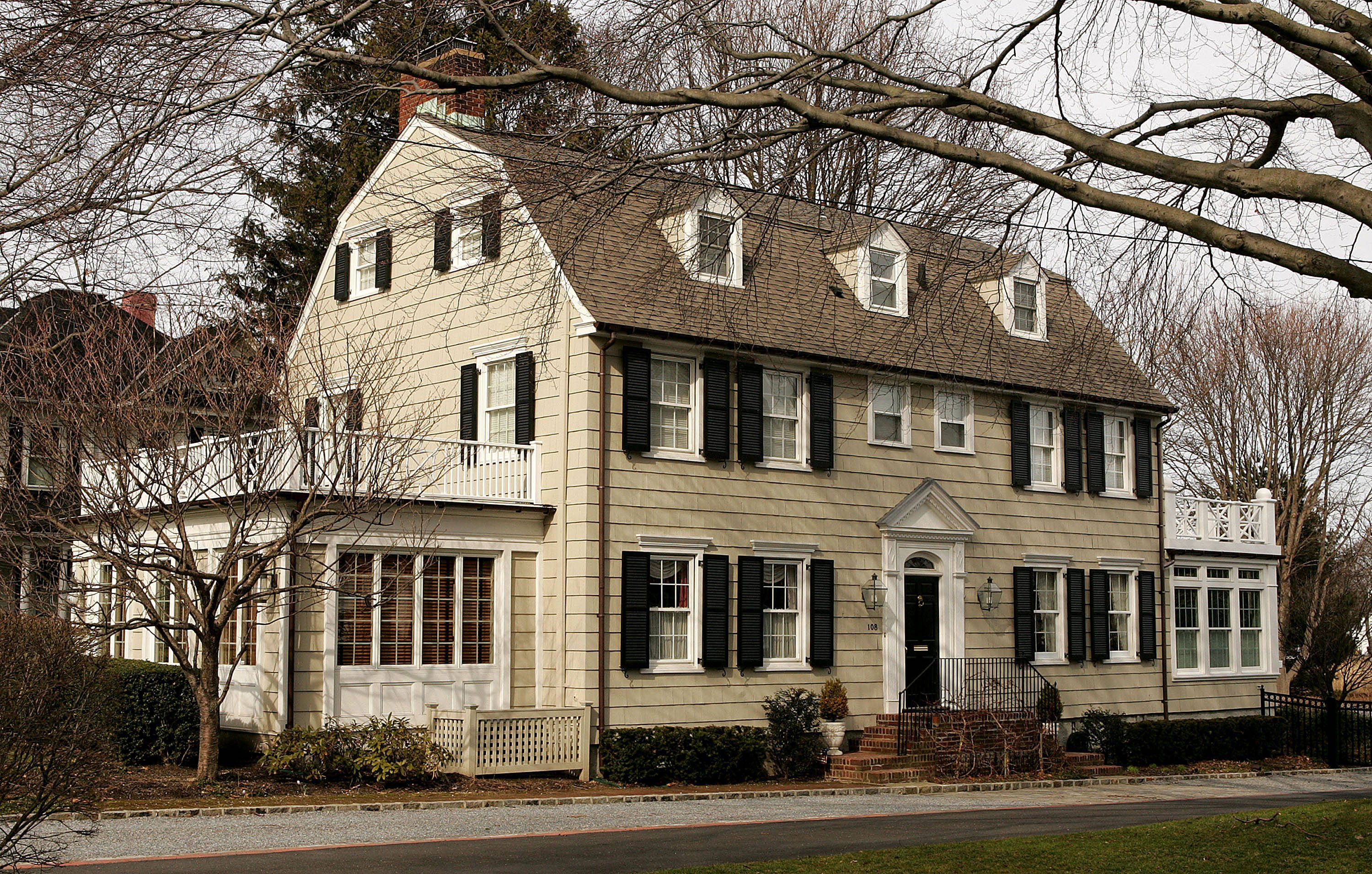 ny-amityville-horror-house-2-haunted-journeys