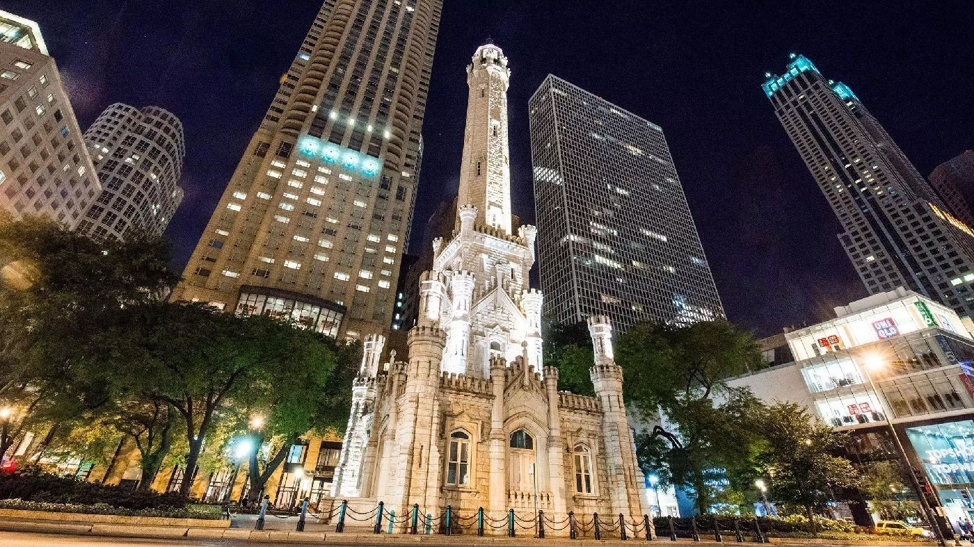 il-chicago-water-tower--haunted-journeys