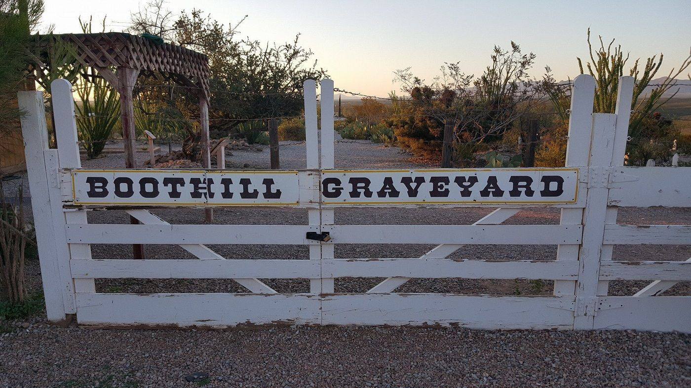 az-boothill-graveyard--haunted-journeys
