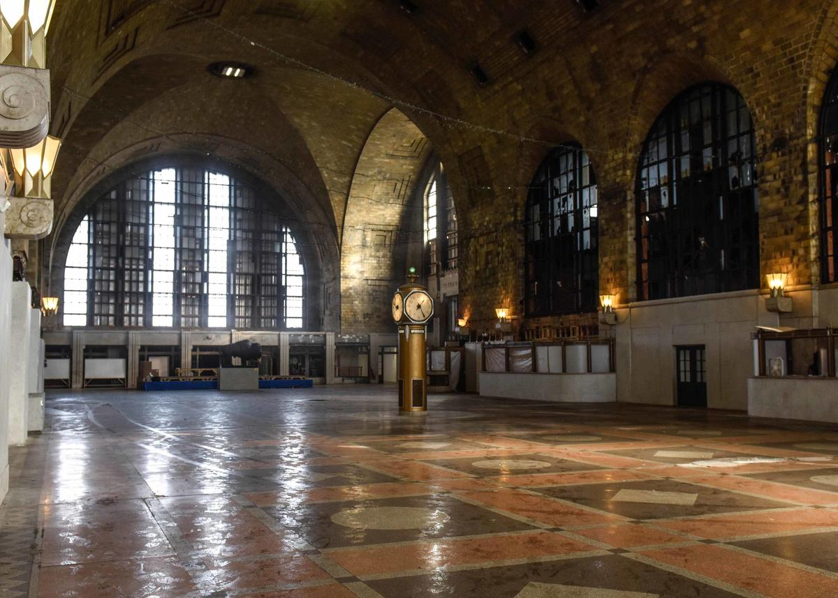 ny-buffalo-central-terminal--haunted-journeys
