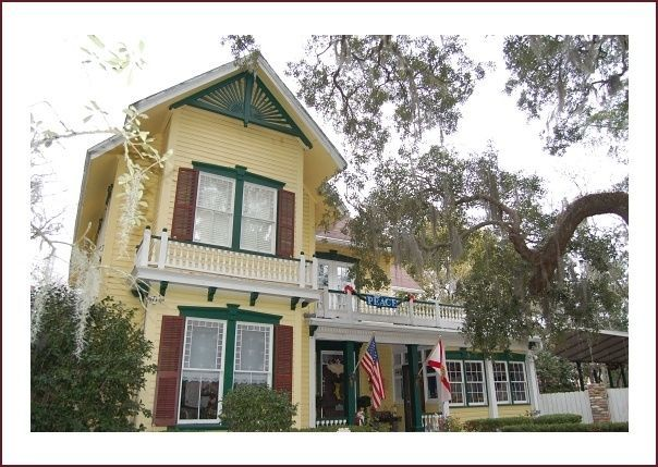 Avera-Clarke House Bed and Breakfast