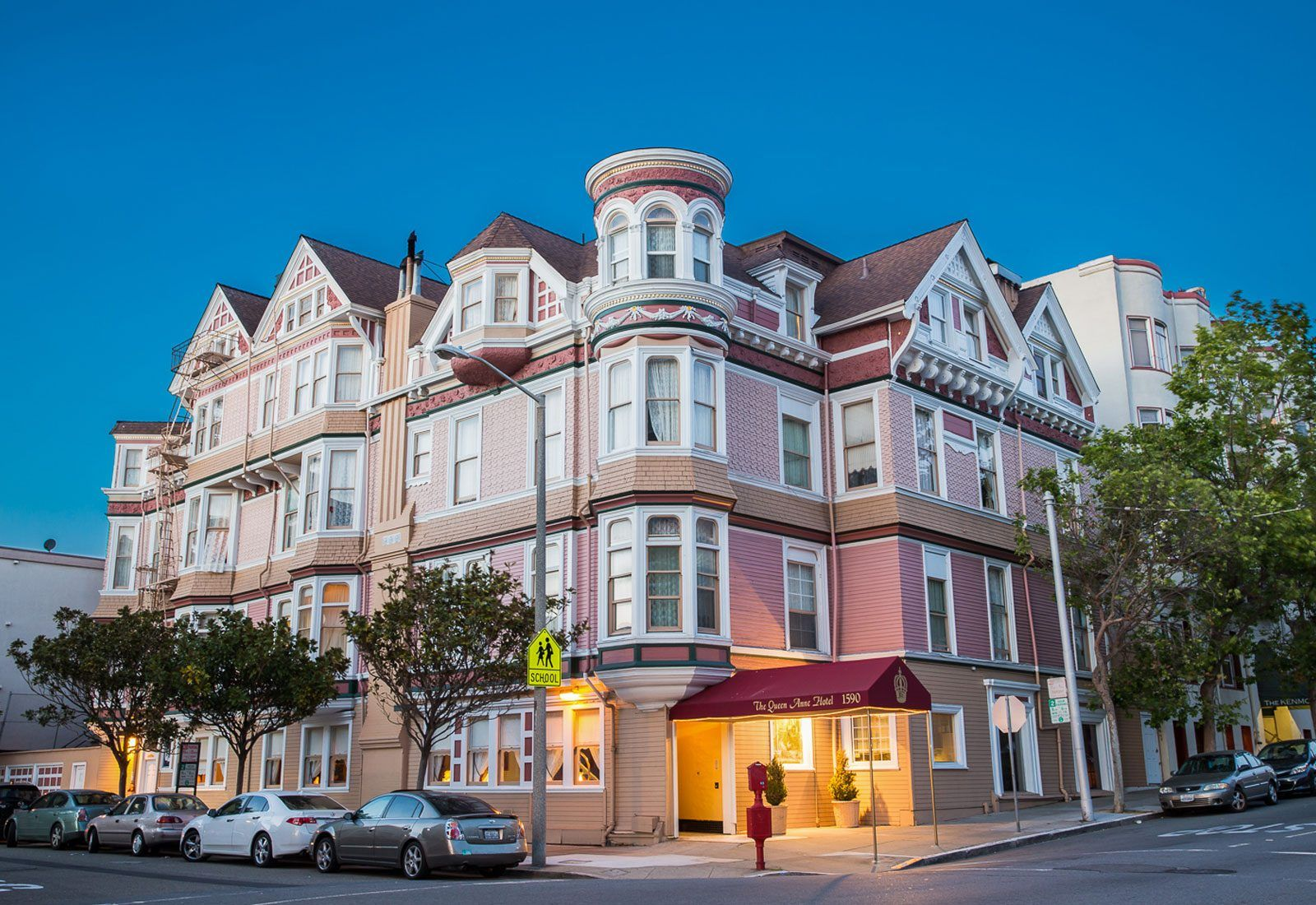 ca-queen-anne-hotel-haunted-journeys
