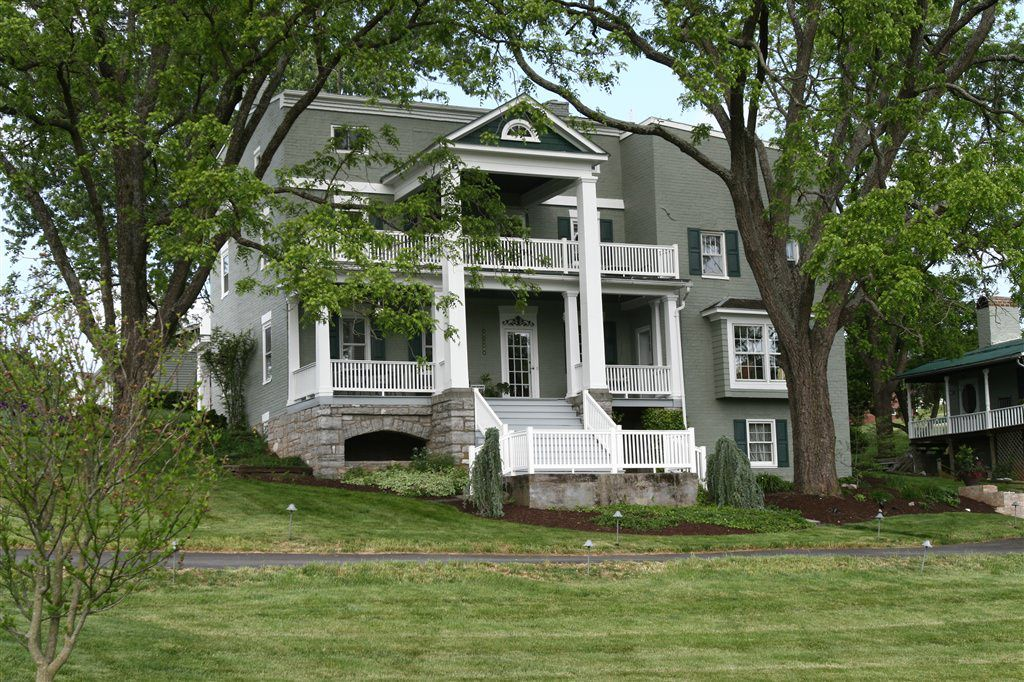 va-by-the-side-of-the-road-inn-and-cottages-haunted-journeys