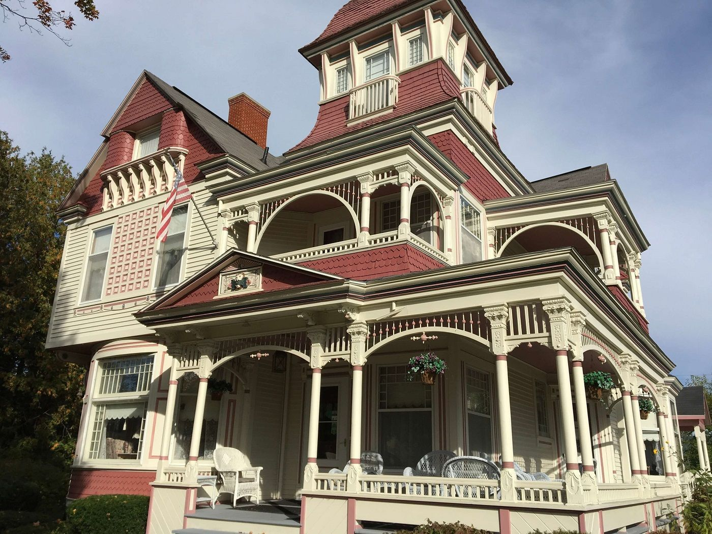 mi-grand-victorian-inn--haunted-journeys