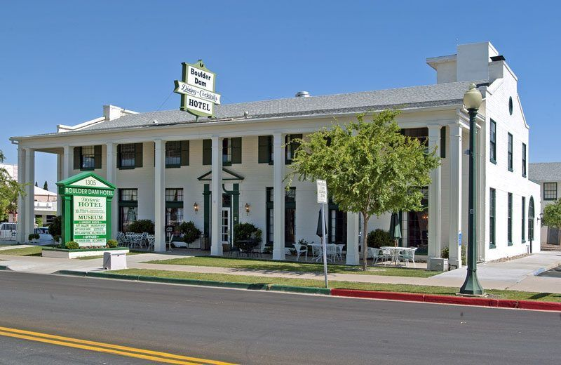 nv-boulder-dam-hotel-haunted-journeys