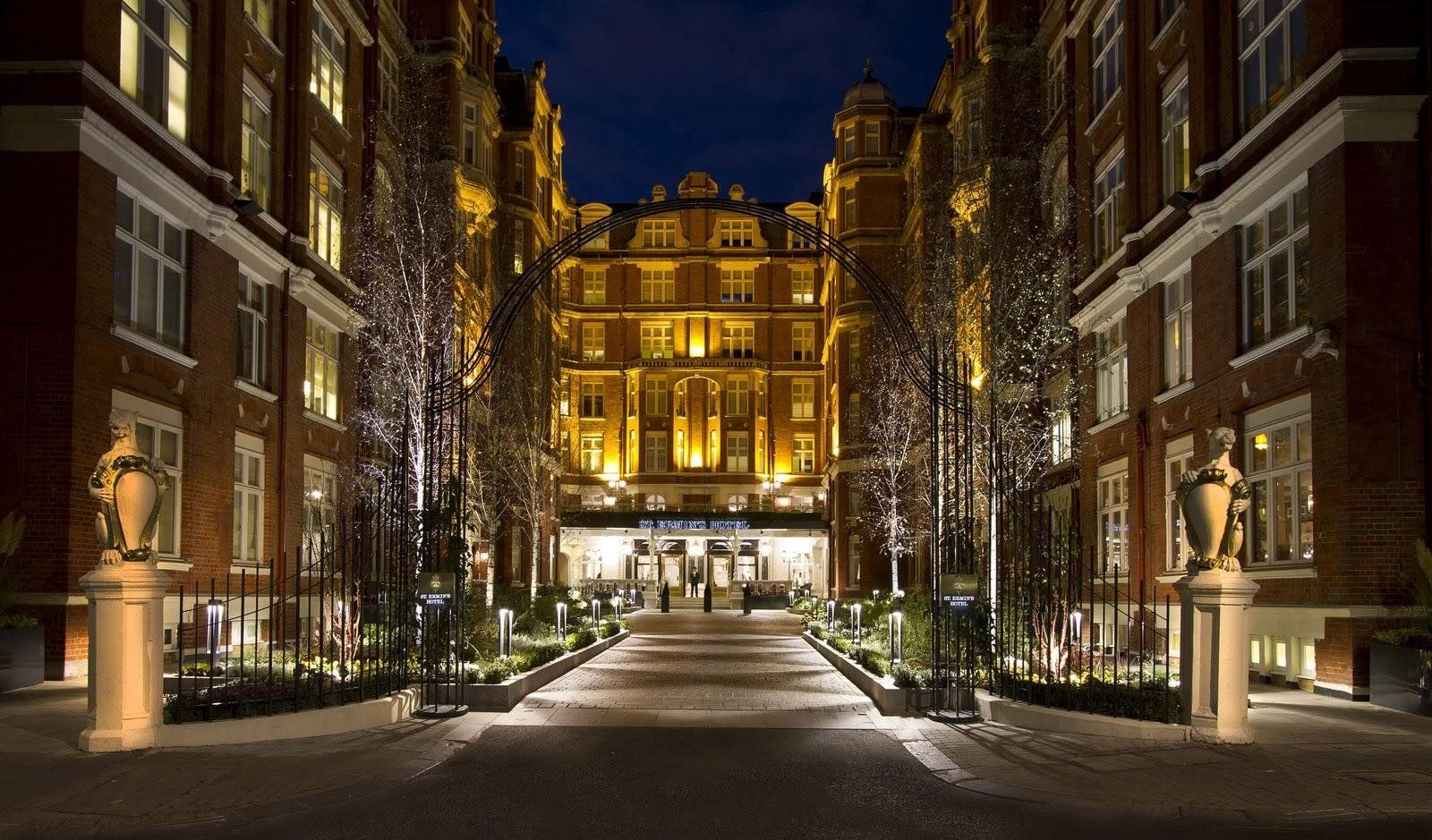 co-brown-palace-hotel-and-spa-haunted-journeys2