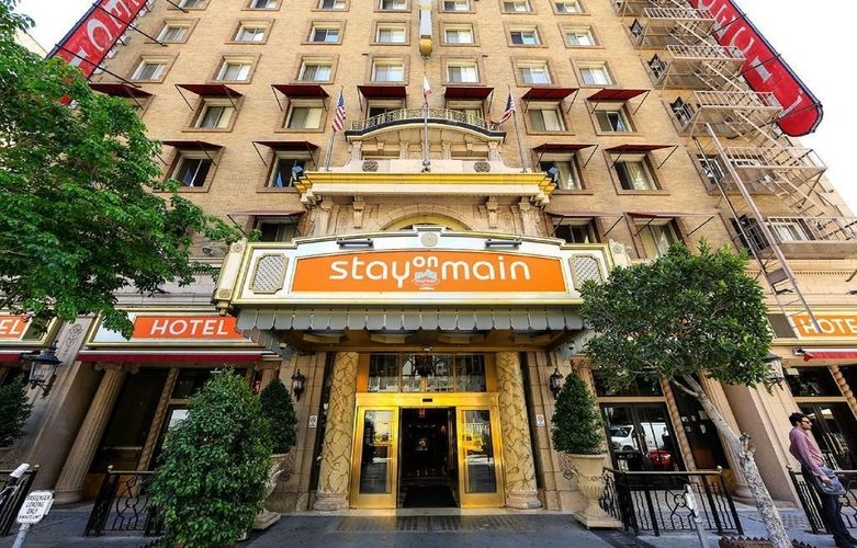 Stay on Main Hotel (Cecil Hotel)