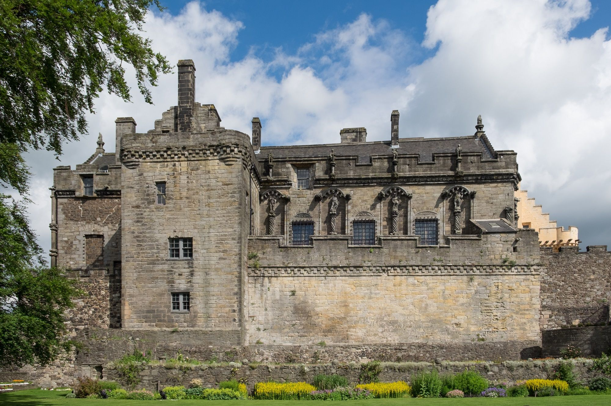 stirling-castle---scotland---mysterious-adventures-tours