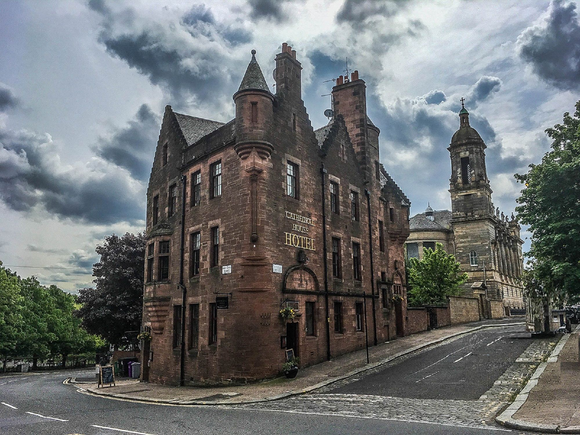 cathedral-house-hotel---glasgow-scotland-mysterious-adventures-tours-3