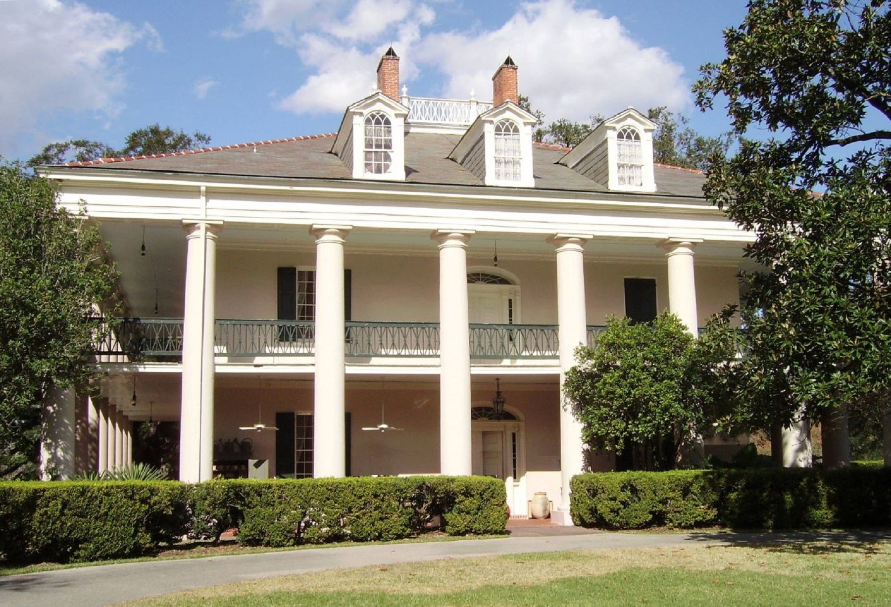 la-oak-alley-plantation-1-haunted-journeys