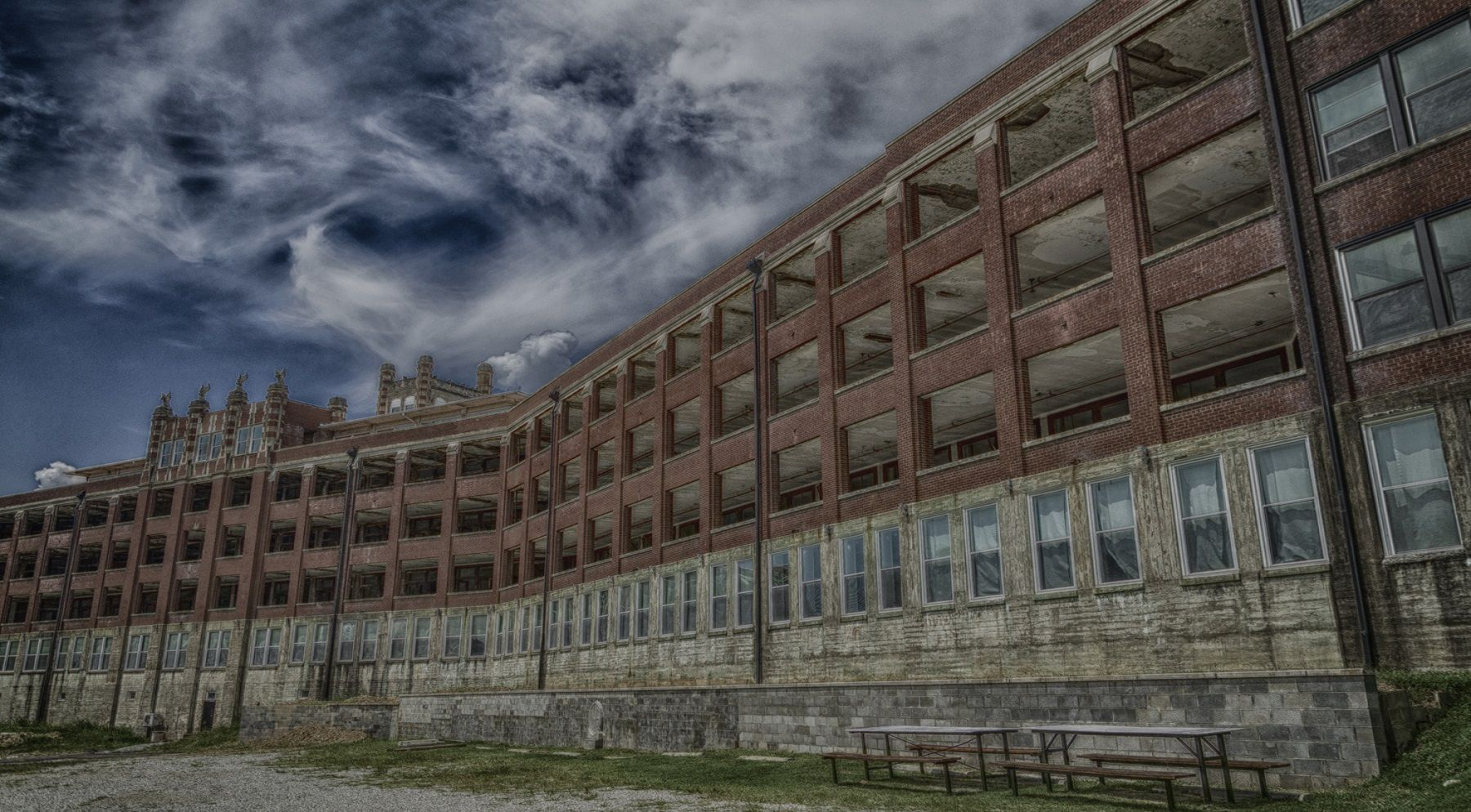 ky-waverly-hills-sanatorium-0-haunted-journeys