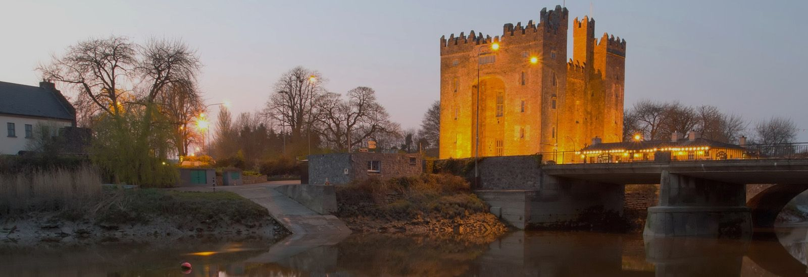 ireland-bunratty-castle-mysterious-adventures-tours-0000