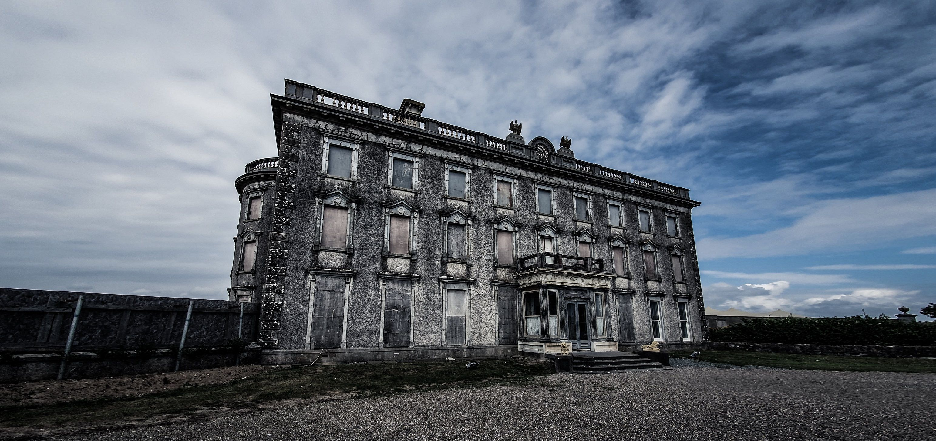 ireland-loftus-hall-00-haunted-journeys