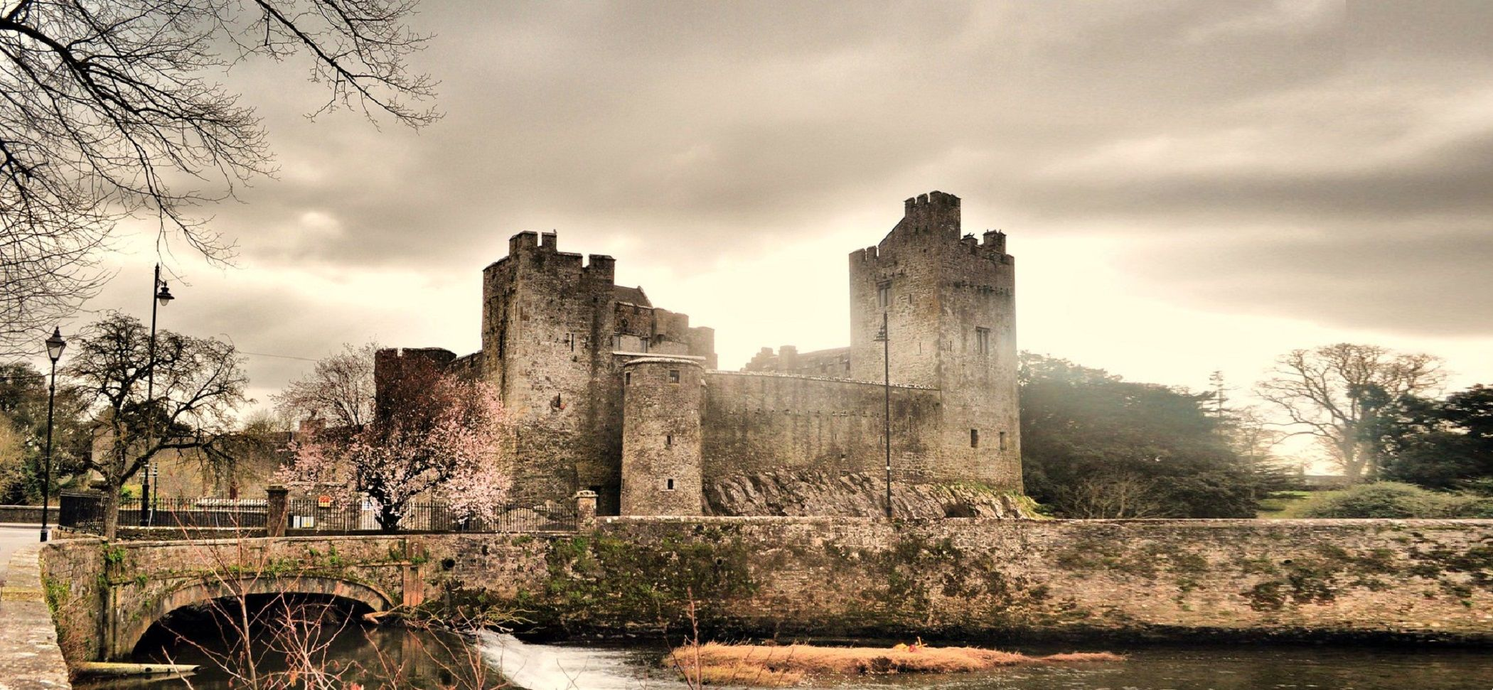 ireland-cahir-castle-00-haunted-journeys