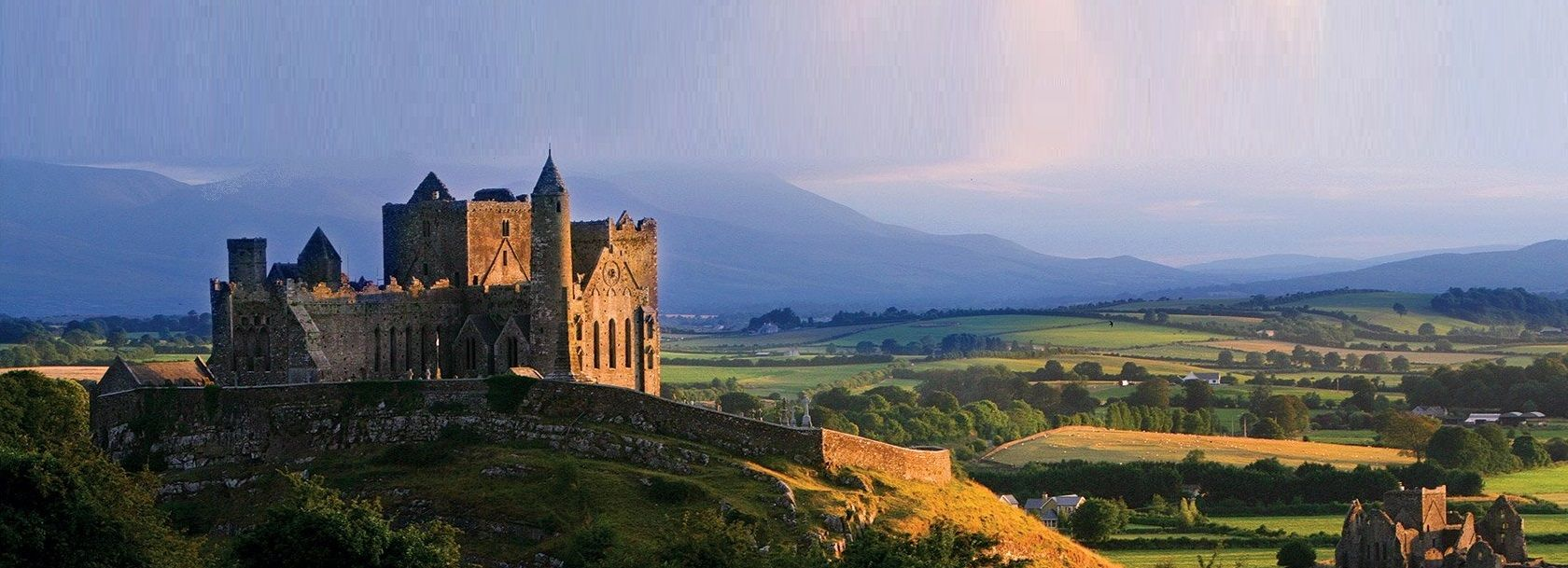 ireland-rock-of-cashel-000-haunted-journeys
