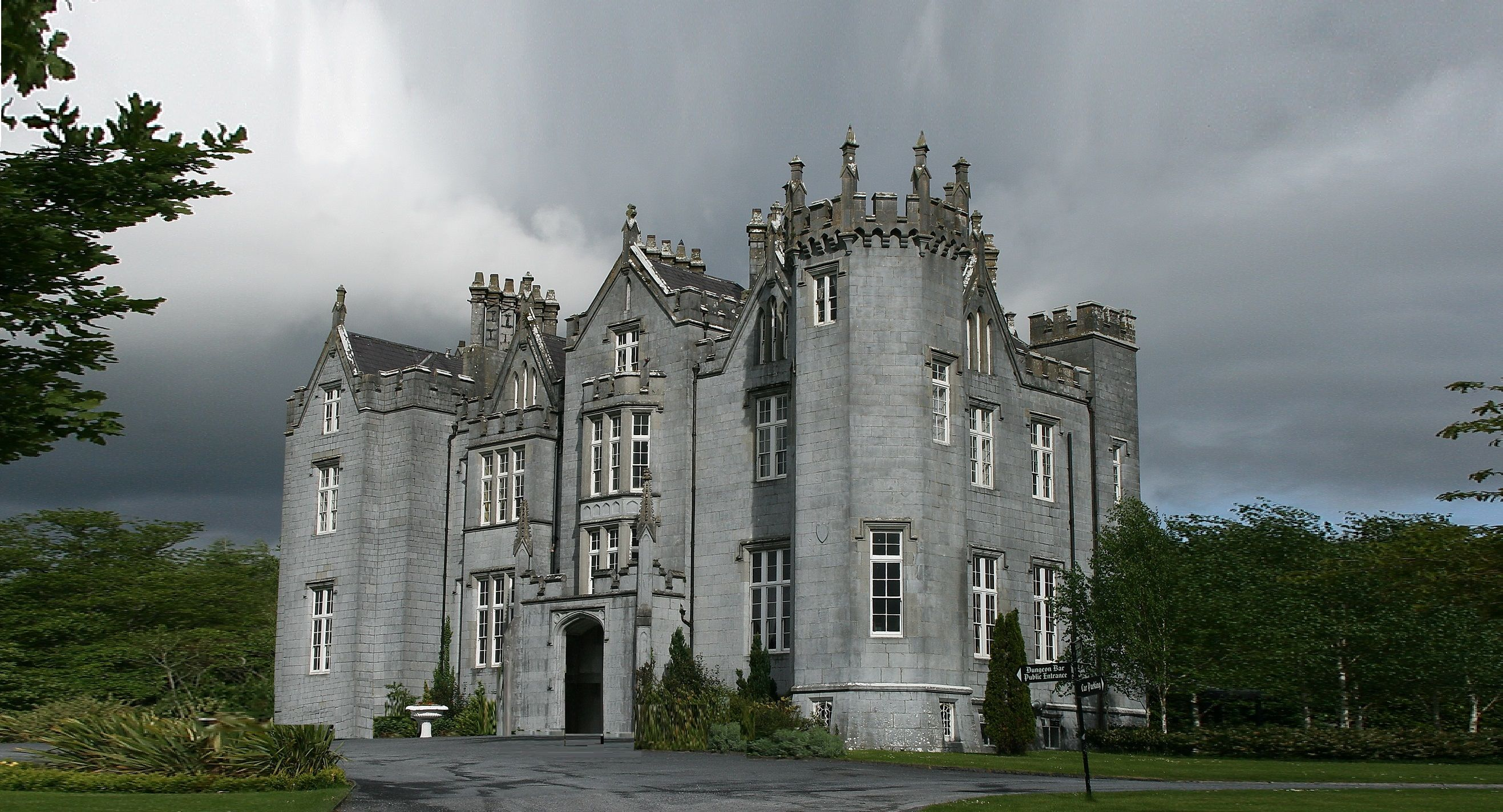 ireland-kinnitty-castle-00-haunted-journeys