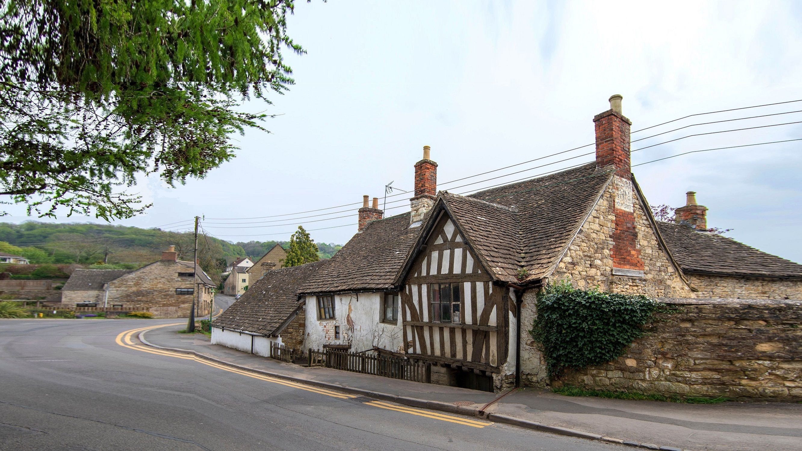 england-ancient-ram-inn-00-haunted-journeys